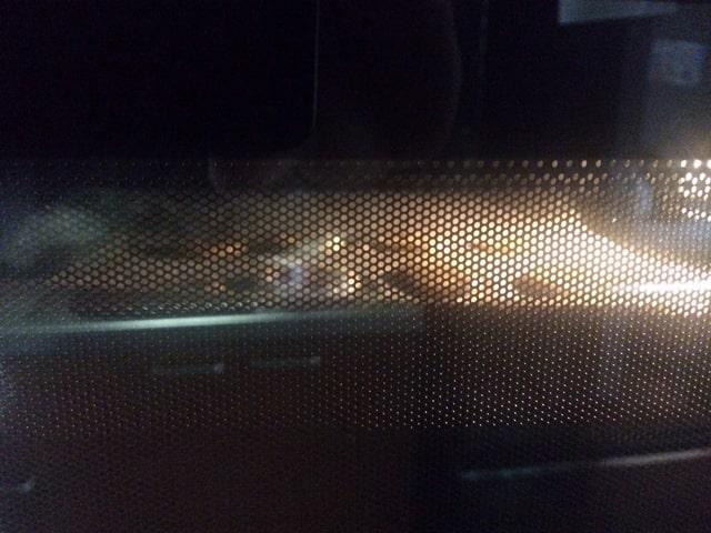 オーブンで焼いているクッキー